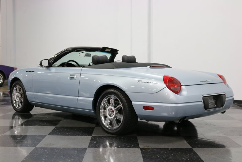 2004 Ford Thunderbird 9