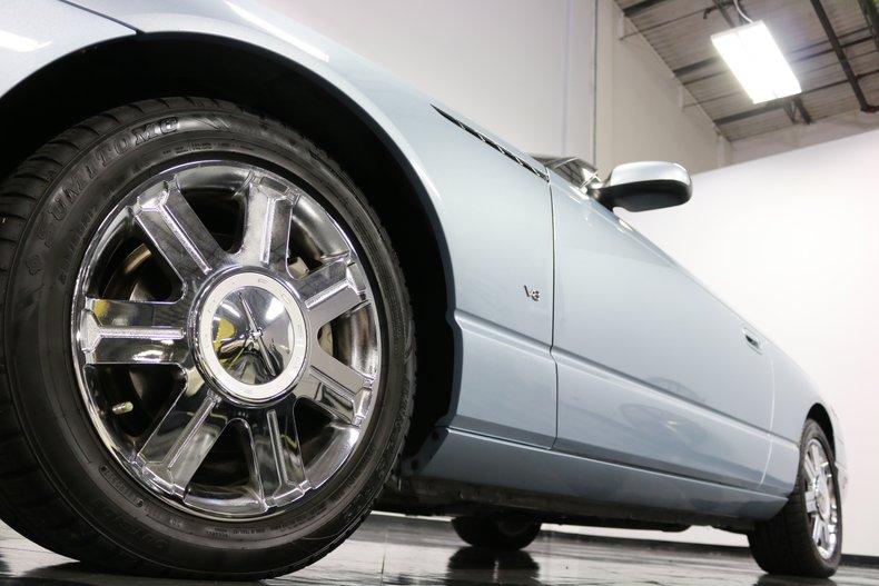 2004 Ford Thunderbird 32