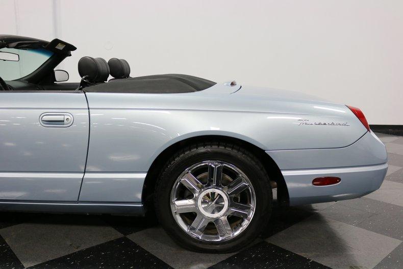 2004 Ford Thunderbird 36
