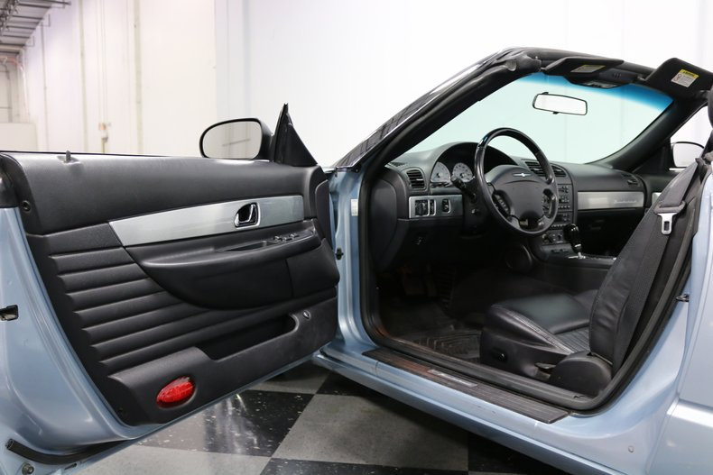 2004 Ford Thunderbird 54