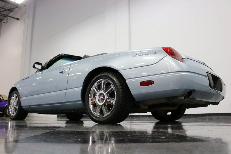 2004 Ford Thunderbird 37