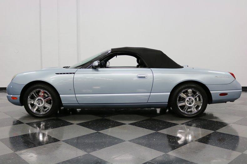 2004 Ford Thunderbird 24