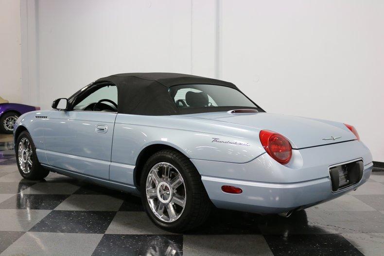 2004 Ford Thunderbird 25