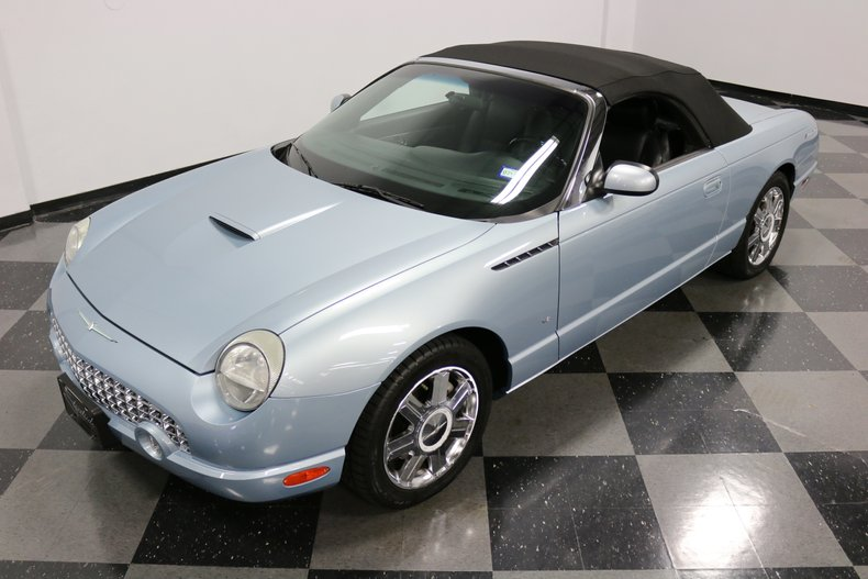 2004 Ford Thunderbird 22