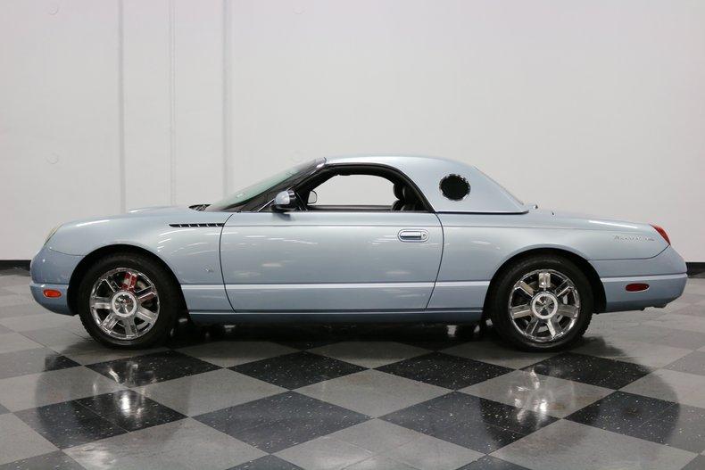 2004 Ford Thunderbird 28