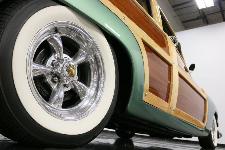 1951 Mercury Woody 33