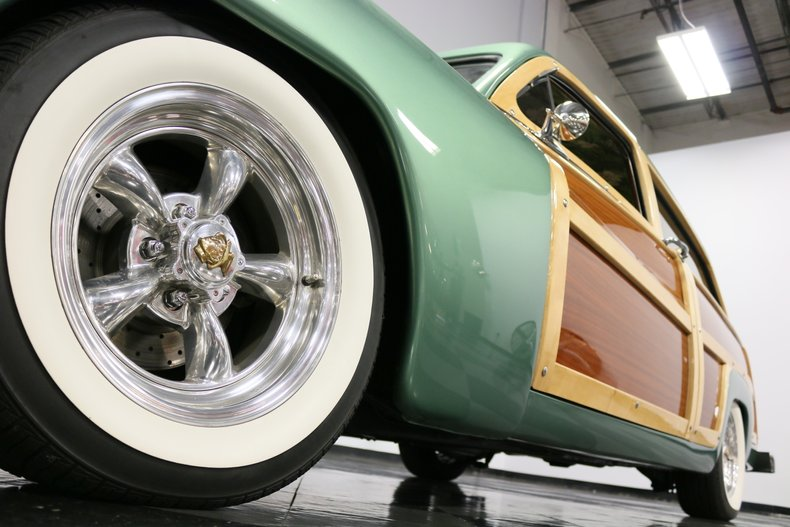 1951 Mercury Woody 24