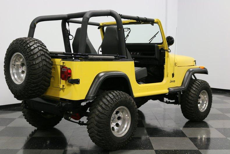 1993 Jeep Wrangler 13
