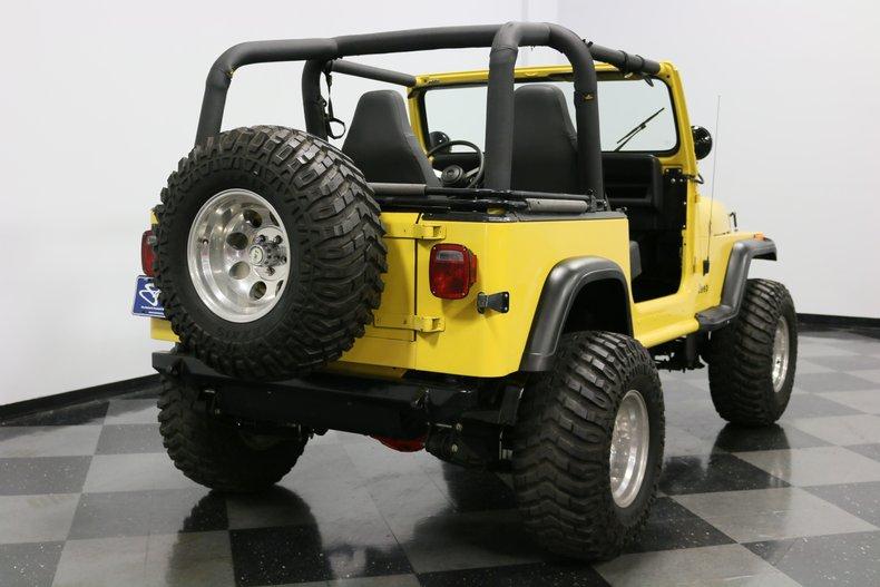 1993 Jeep Wrangler 12