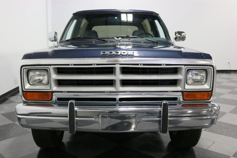 1989 Dodge Ramcharger 19