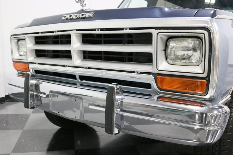 1989 Dodge Ramcharger 23