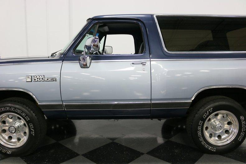 1989 Dodge Ramcharger 27