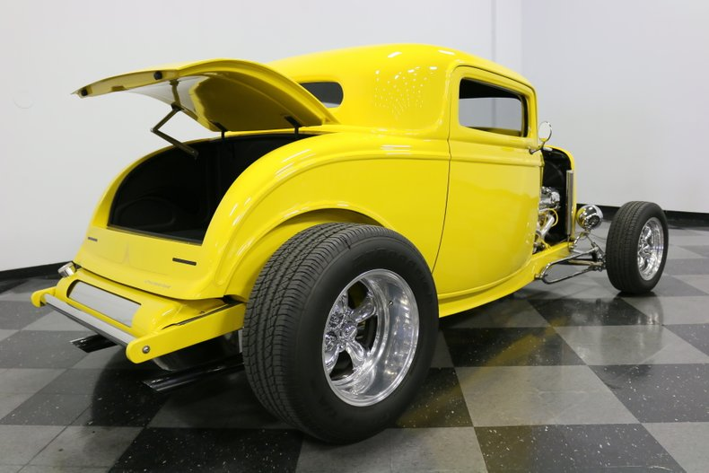 1932 Ford 3-Window 42