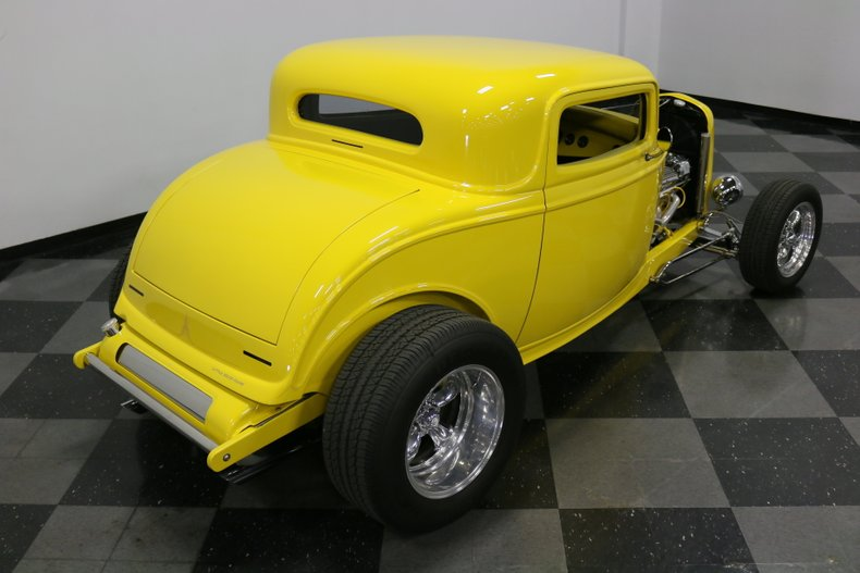 1932 Ford 3-Window 30