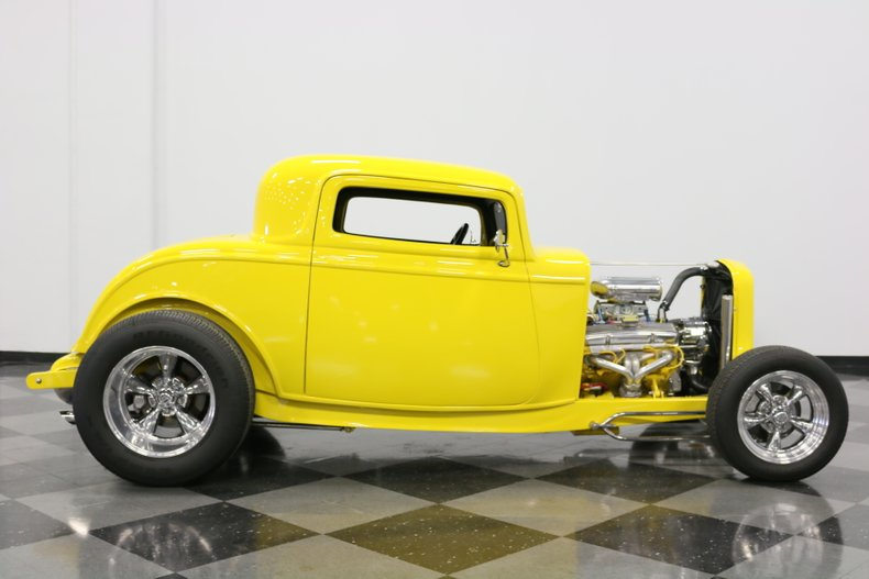 1932 Ford 3-Window 34