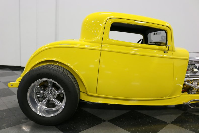 1932 Ford 3-Window 35