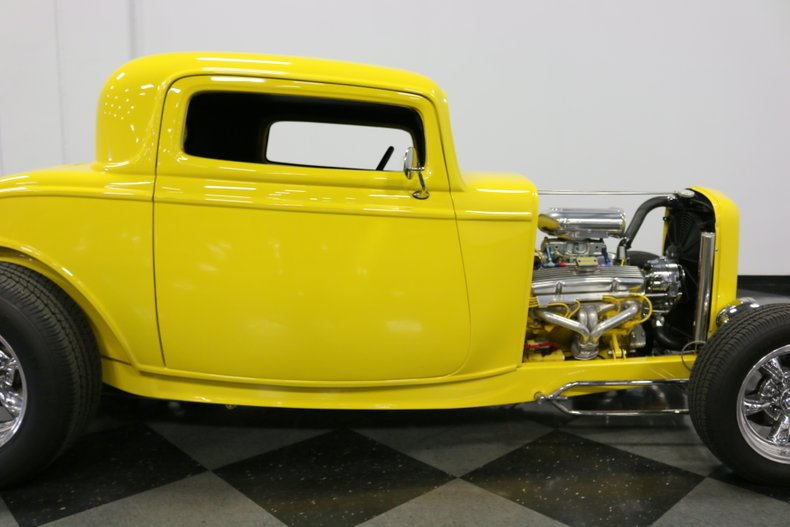 1932 Ford 3-Window 36
