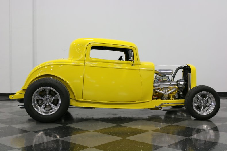 1932 Ford 3-Window 15
