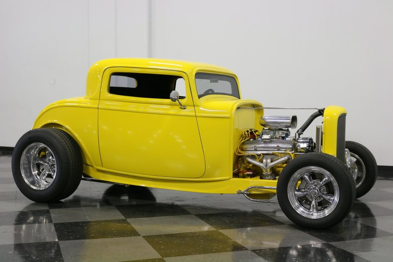 1932 Ford 3-Window 16