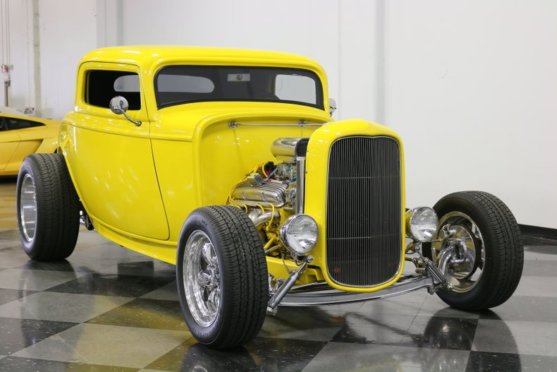 1932 Ford 3-Window 18