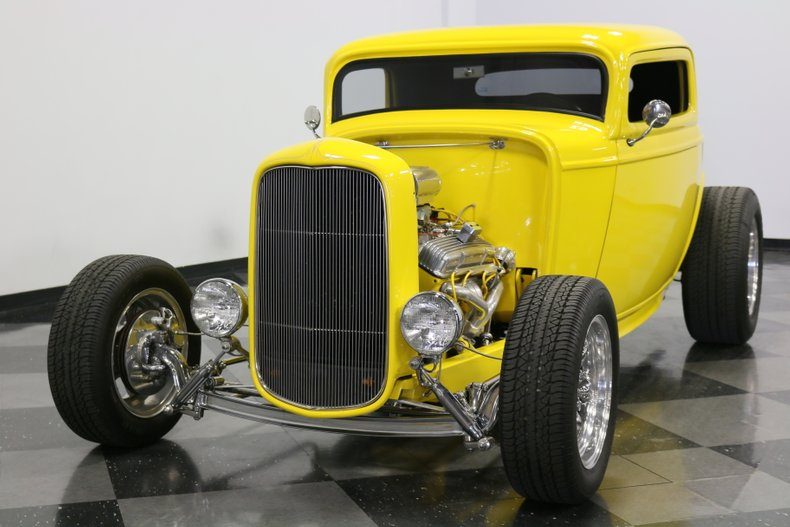 1932 Ford 3-Window 20