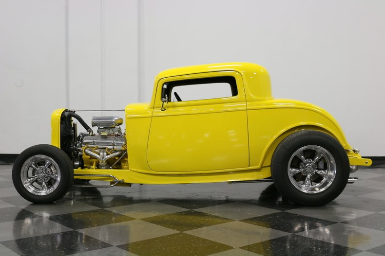 1932 Ford 3-Window 7