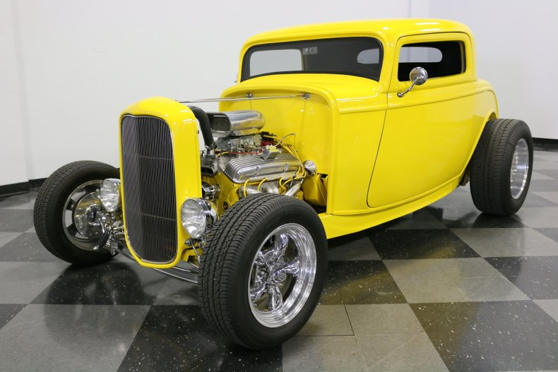 1932 Ford 3-Window 39