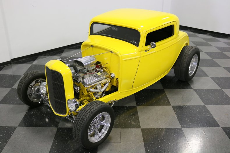 1932 Ford 3-Window 21