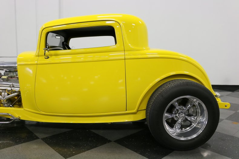 1932 Ford 3-Window 28