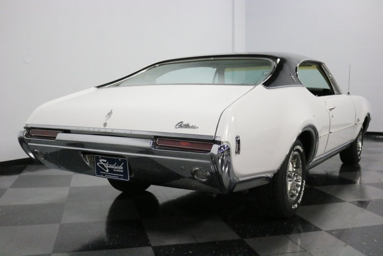1968 Oldsmobile Cutlass 12