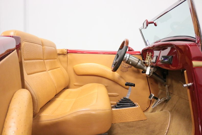 1934 Ford Cabriolet 61