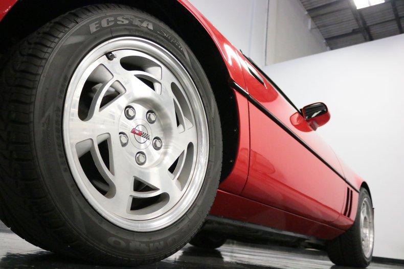 1990 Chevrolet Corvette 37