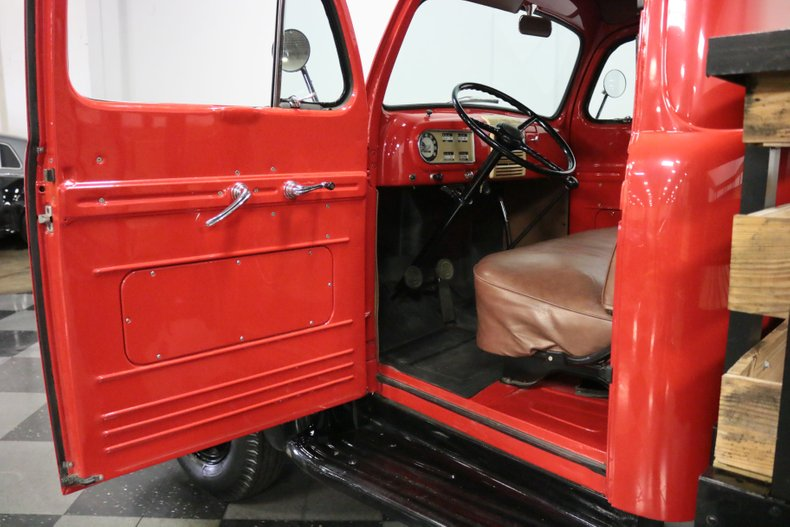 1948 Ford F-4 46