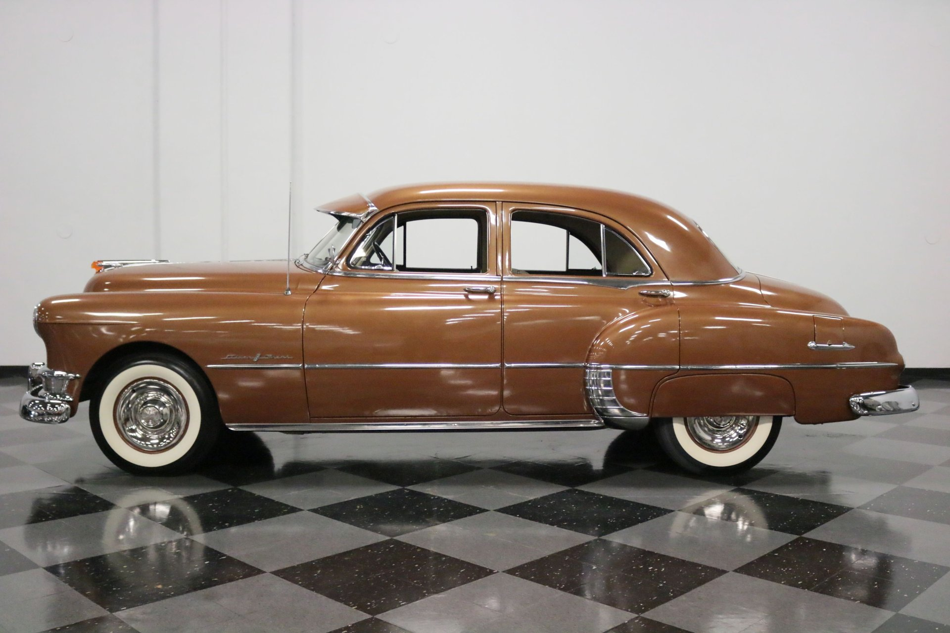 1950 pontiac chieftain deluxe