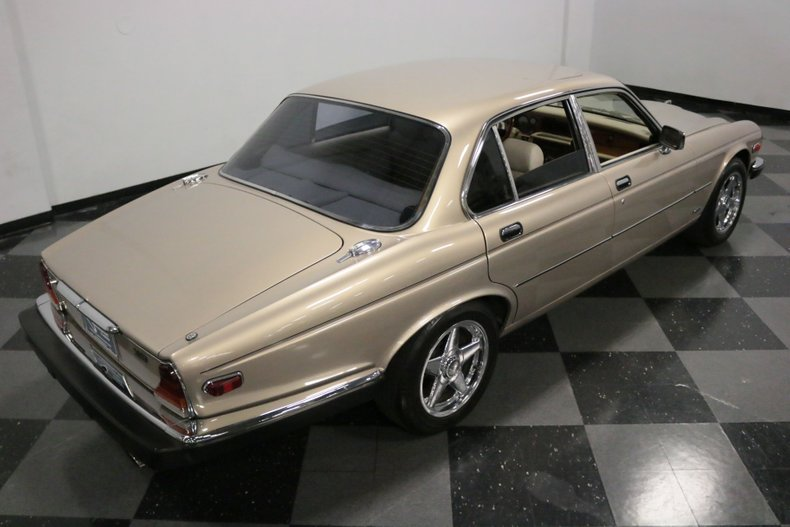 1983 Jaguar XJ6 30