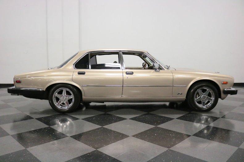 1983 Jaguar XJ6 34