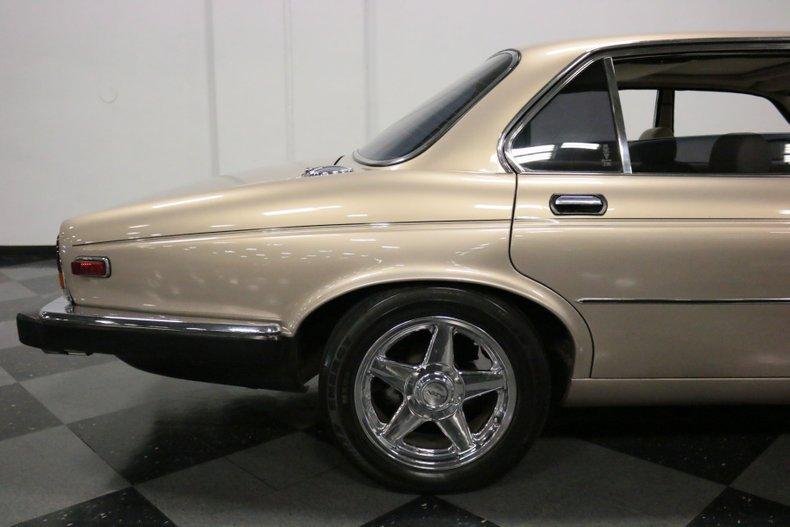 1983 Jaguar XJ6 35