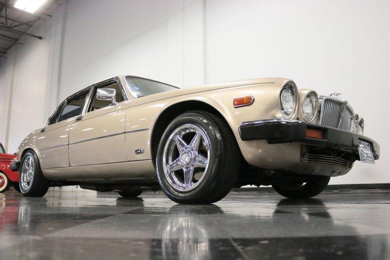 1983 Jaguar XJ6 38