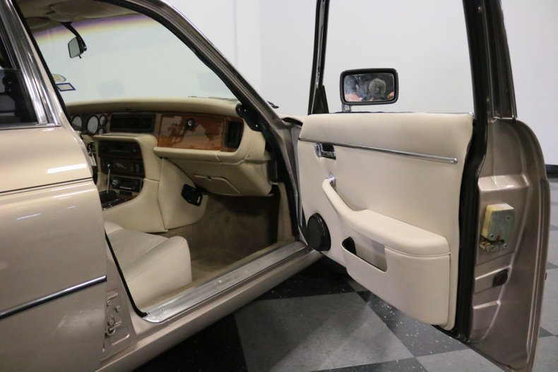 1983 Jaguar XJ6 63