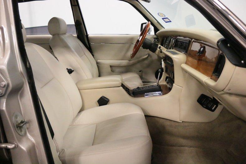 1983 Jaguar XJ6 59
