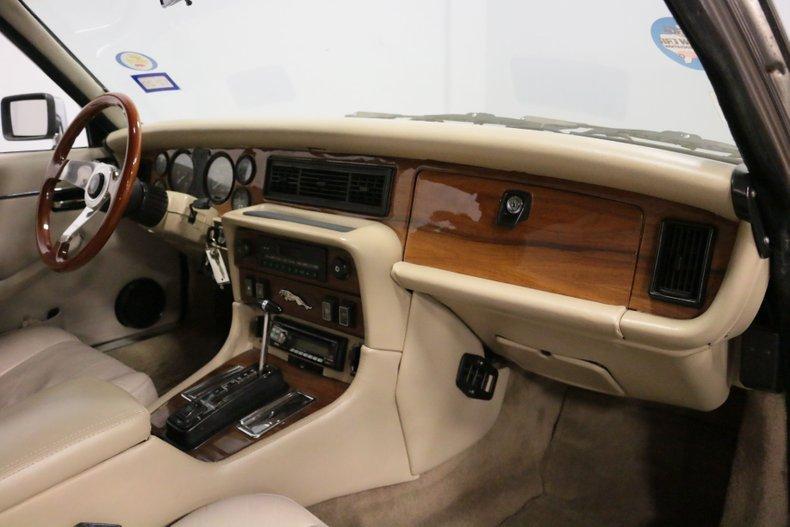 1983 Jaguar XJ6 61