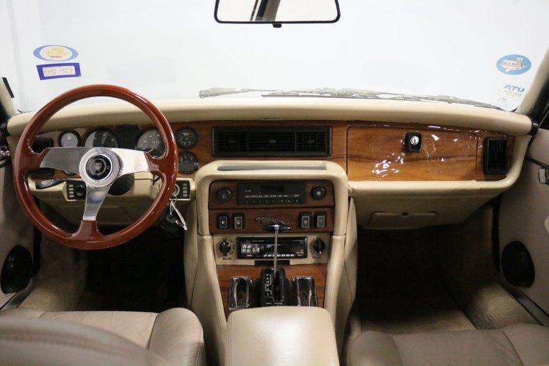 1983 Jaguar XJ6 56