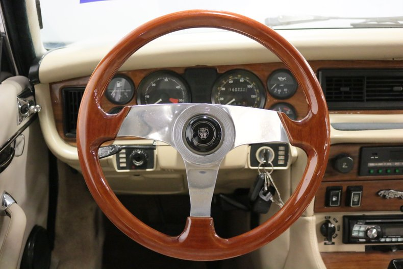 1983 Jaguar XJ6 50