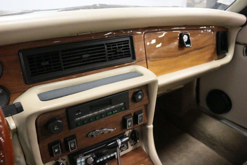 1983 Jaguar XJ6 53