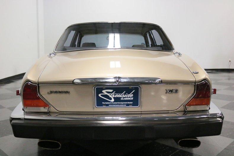 1983 Jaguar XJ6 11