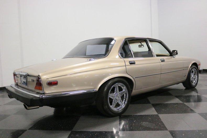 1983 Jaguar XJ6 13