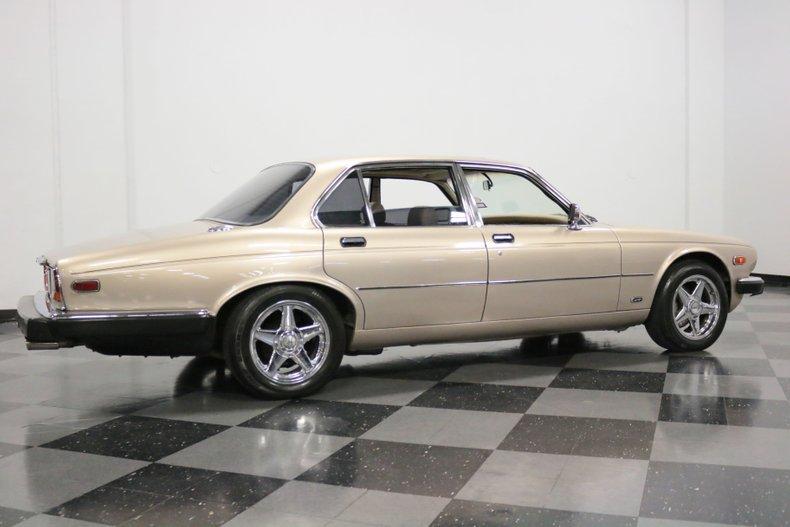 1983 Jaguar XJ6 14
