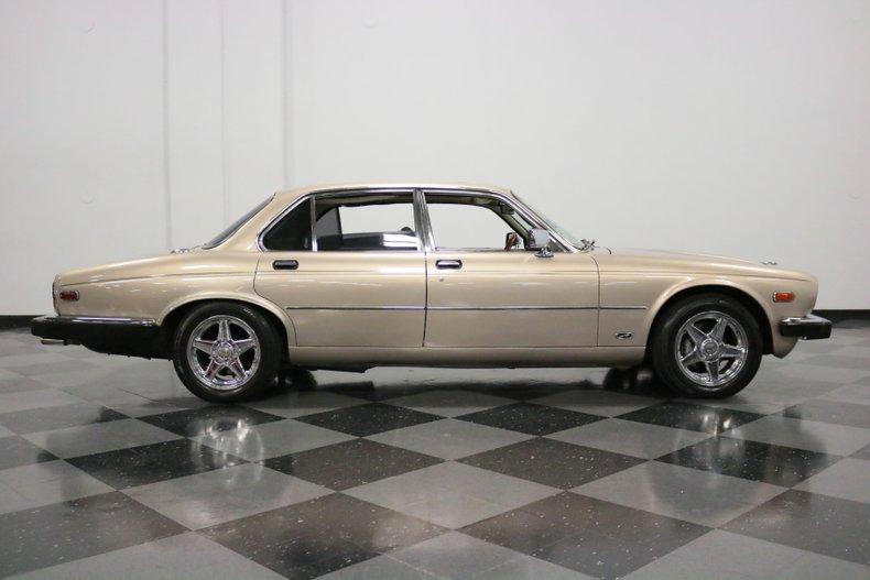 1983 Jaguar XJ6 15