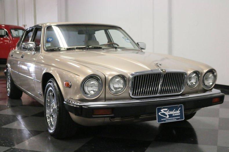 1983 Jaguar XJ6 18