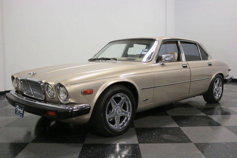 1983 Jaguar XJ6 5